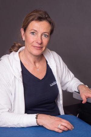 Dr. Bettina Horvat
